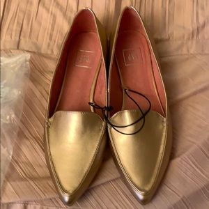 Women's rose gold gold flats